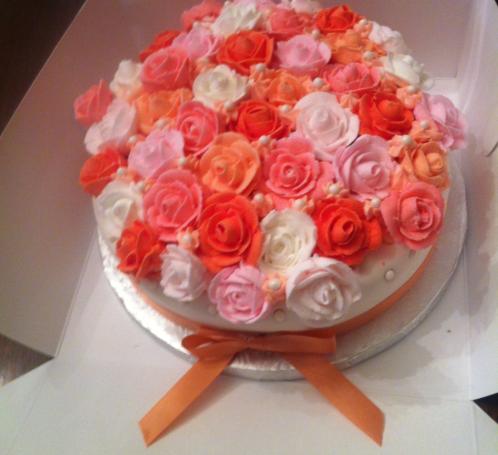 Les Roses in Vanilla and Fondant