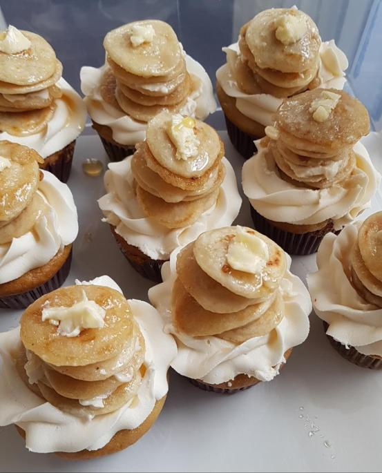 Maple pancakes cupcakes